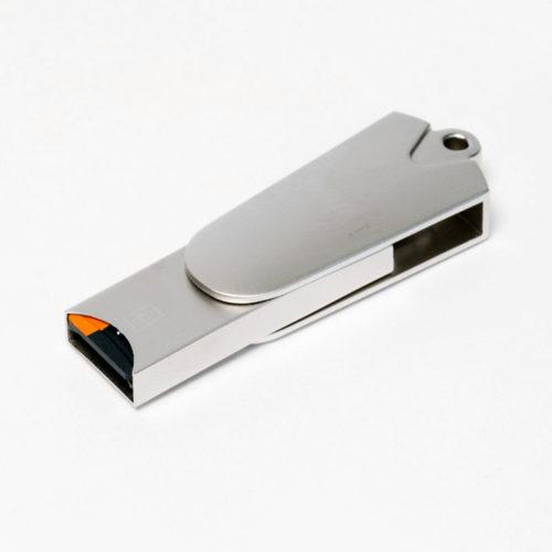 microSDカードを挿入した状態