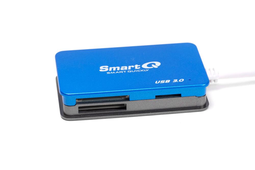 SmartQ USB3.0マルチメモリカードリーダー前面