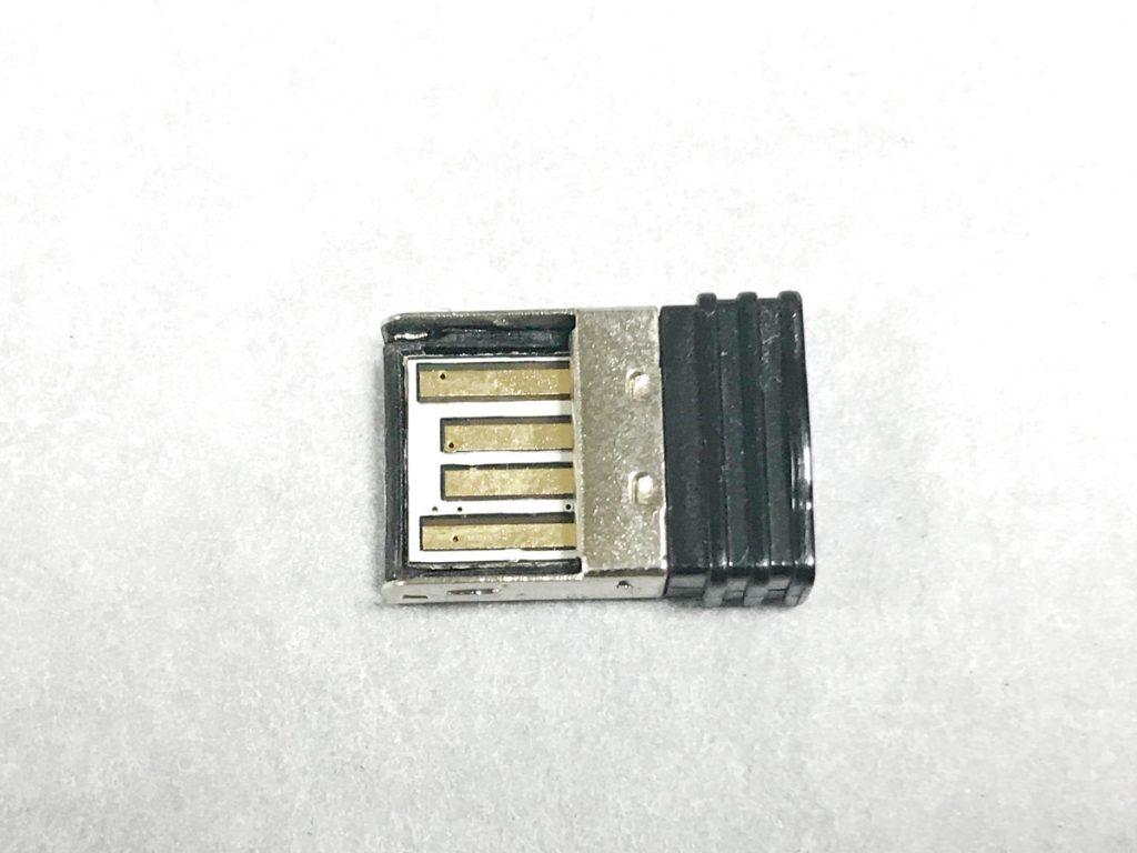 USB 無線マウスのレシーバー
