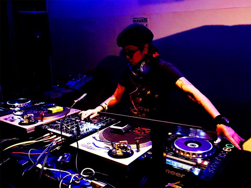 ロックDJ/Liveパーティ NUGGETS 2F セカンドフロア DJ