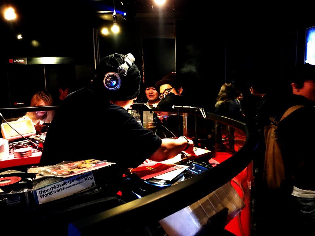 ロックDJ/Liveパーティ NUGGETS 1F ラウンジ DJ