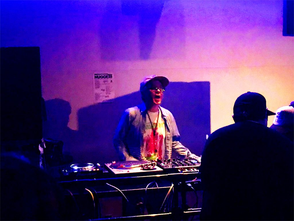 ロックDJ/Liveパーティ NUGGETS  DJ 大貫憲章