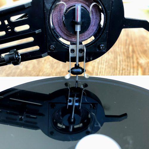 オリジナルのカッティング針。音の振動をレコードに刻みます。