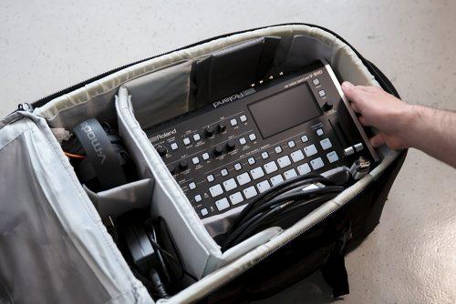 Roland V-8HD 場所を選ばない小型、軽量、外部電源対応