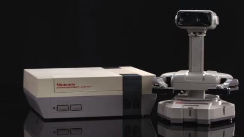 北米での任天堂躍進の功労者のひとつ(ひとり?) ファミリーコンピュータロボットR.O.B.(Robotic Operating Buddy)だそうな