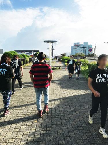 PUNK LIVES! 2019 新木場駅から、会場への道中にて