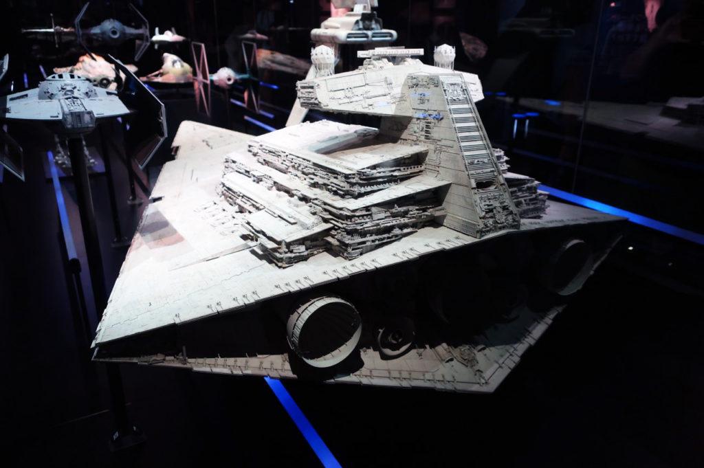 『スターウォーズアイデンティティーズ ザ・エキシビション』帝国と反乱軍の戦艦、戦闘機の模型も展示