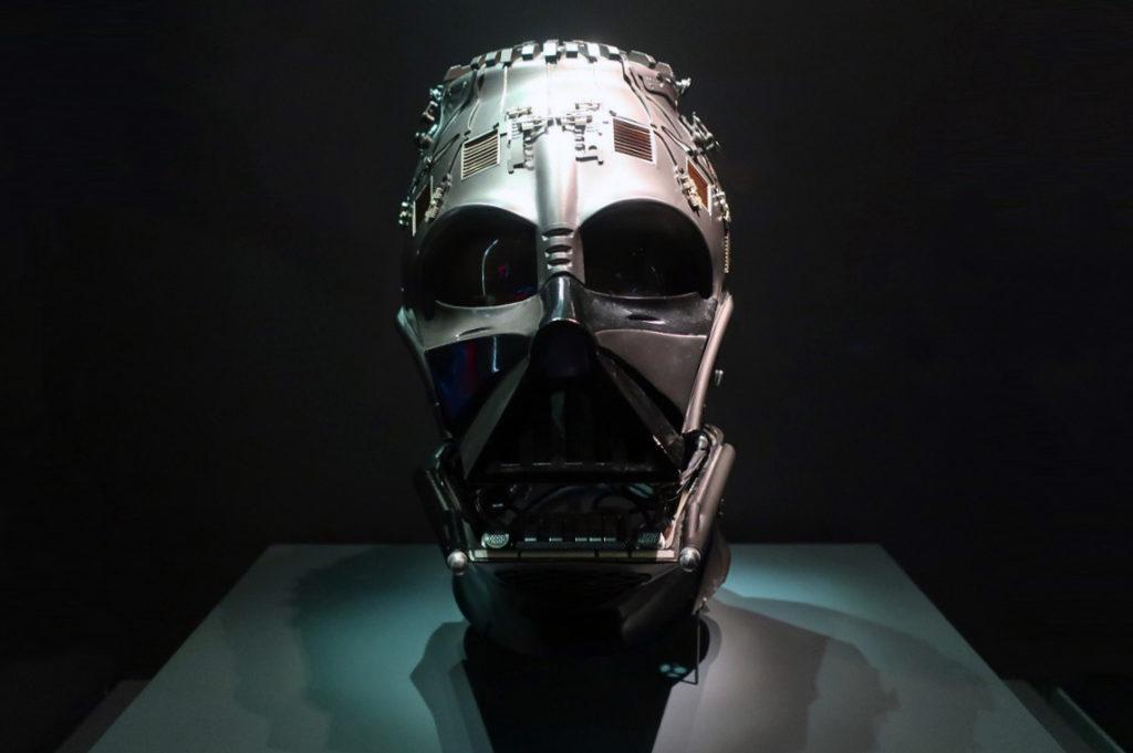 『スターウォーズアイデンティティーズ ザ・エキシビション』 公式未発表のダースベイダーマスク
